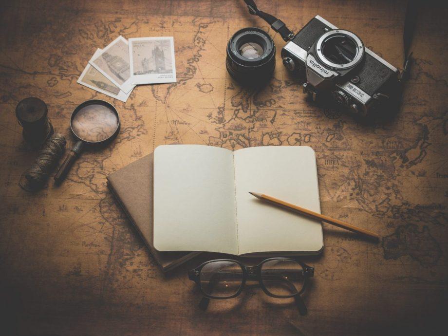 negative-space-vintage-travel-essentials-dariusz-sankowski-1