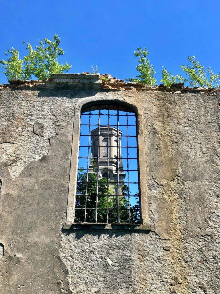 Góry Izerskie ruiny kościoła